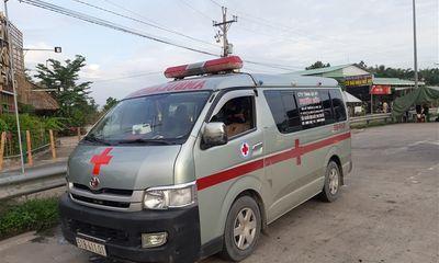 Dùng xe cứu thương chở người không phải bệnh nhân đi từ TP.HCM về Vĩnh Long
