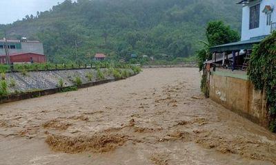 Bé gái 14 tuổi ở Lào Cai thiệt mạng vì bị lũ nước lũ cuốn trôi