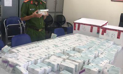 Thu giữ gần 1.000 bộ kit test nhanh COVID-19 không rõ nguồn gốc ở Hà Nội