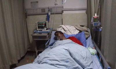 Thanh niên 18 tuổi đi cấp cứu vì thủng dạ dày, nguyên nhân từ một vật nhỏ bé cực quen thuộc