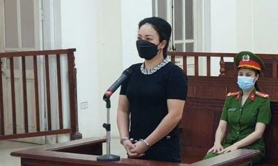 Lén lút hoạt động bất chấp lệnh cấm, chủ quán karaoke lĩnh 12 tháng tù