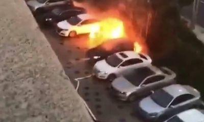 Ô tô đột nhiên bốc cháy khiến 2 bé trai tử vong, dân mạng dồn dập chỉ trích ông bố