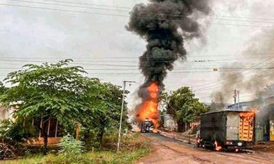 Xe bồn chở xăng phát nổ ở Bình Phước, tài xế bị bỏng nặng