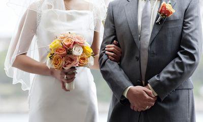 Vừa làm đám cưới được một giờ, đôi vợ chồng khiến ai nấy choáng váng vì nhất quyết đòi ly hôn