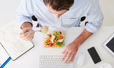 11 thói quen cực hại dạ dày nhưng nhiều người vẫn vô tư mắc phải