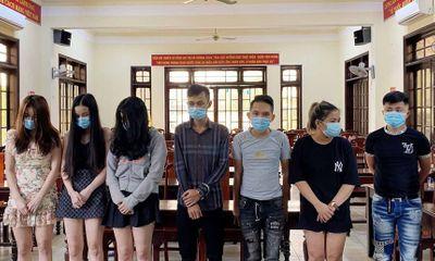 Bắt quả tang 14 nam nữ thanh niên thuê nhà nghỉ để sử dụng ma túy