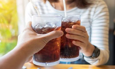 Nam thanh niên 22 tuổi tử vong sau khi uống hết chai nước ngọt 1,5 lít chỉ trong 10 phút