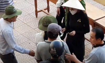 Hai địa phương ở Thừa Thiên – Huế báo cáo việc từ thiện của ca sĩ Thủy Tiên