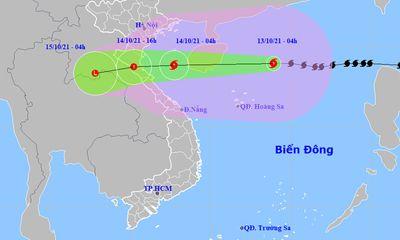 Bão số 8 di chuyển nhanh theo hướng Tây, dự báo suy yếu khi đổ bộ