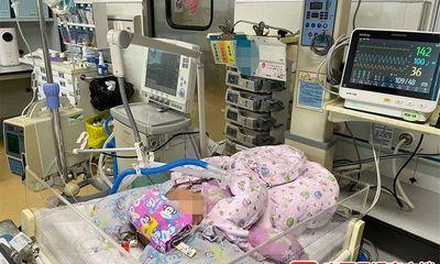 Bé gái 2 tháng tuổi khó chịu rồi nôn ra máu, nguyên nhân do hành động quen thuộc của nhiều cha mẹ