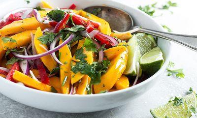 Salad xoài kiểu Thái cực dễ, chua chua ngọt ngọt càng ăn càng nghiện