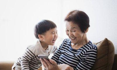 Bà nội hay bà ngoại tốt hơn, lời nói của đứa trẻ khiến người nhà hoảng hốt, tổ chức họp gia đình gấp