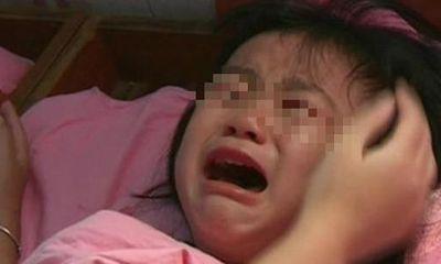 Con gái 5 tuổi thường xuyên quấy khóc giữa đêm, người mẹ vạch áo con mới phát hiện sự thật tàn nhẫn