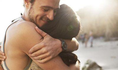 5 lợi ích tuyệt vời của những cái ôm mà không phải ai cũng biết