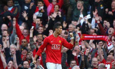 Ronaldo chính thức khoác áo Manchester United