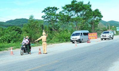 Nữ tài xế bị phạt 7,5 triệu đồng vì chở người về từ vùng dịch