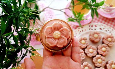 Bánh Trung thu cánh hoa đẹp hết nấc khiến cư dân mạng trầm trồ khen ngợi, đua nhau xin bí quyết