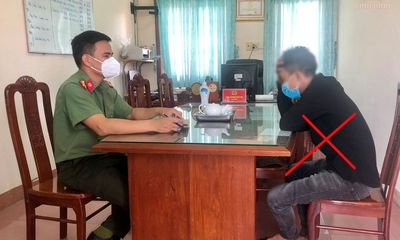 Bị xử phạt hành chính, nam thanh niên lén chụp ảnh phó công an xã đưa lên mạng bêu xấu