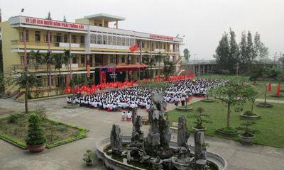 Nam Định: Làm rõ vụ học sinh quay lén cô giáo trong nhà vệ sinh rồi tống tiền