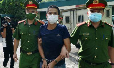 Bóp cổ chiến sĩ công an ở chốt kiểm dịch, người đàn ông lĩnh 33 tháng tù