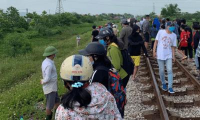 Diễn biến bất ngờ vụ mẹ nghi ôm thi thể con nằm trên đường tàu ở Nghệ An