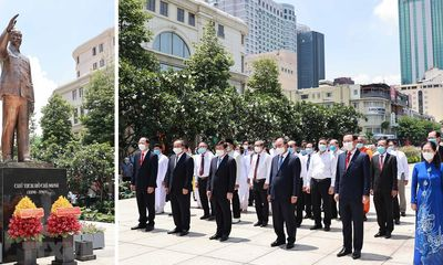 Chủ tịch nước Nguyễn Xuân Phúc dâng hưởng tưởng nhớ Chủ tịch Hồ Chí Minh