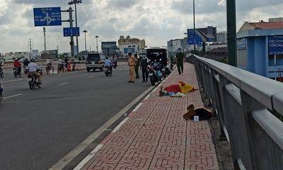 Vụ người đàn ông đội mũ tài xế công nghệ gục chết trên cầu Bình Lợi: Xuất hiện vật lạ tại hiện trường