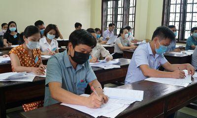 Thực hiện giãn cách xã hội, TP.HCM sẽ chấm thi tốt nghiệp THPT như thế nào?