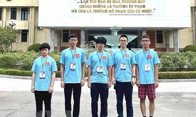 Đội tuyển học sinh Việt Nam xuất sắc giành 15 huy chương tại Olympic quốc tế