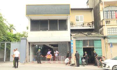 Bắt quả tang 30 nam nữ say sưa hát karaoke lúc nửa đêm ở Hạ Long