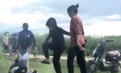 Vụ clip nữ sinh Quảng Bình bị đánh hội đồng: Lộ diện người quay clip, tung lên mạng xã hội