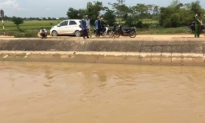 Vụ thi thể người phụ nữ dưới sông Đào: Chiếc ô tô dừng đỗ bất thường ở hiện trường