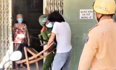 Vụ clip người đàn ông vác ghế đánh công an vì bị nhắc nhở đeo khẩu trang: Thông tin bất ngờ