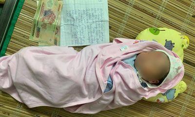 Vụ bé trai sơ sinh bị bỏ rơi ở gầm cầu: Mảnh giấy kẹp cùng 2,2 triệu đồng viết gì?