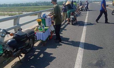 Vụ nam thanh niên 26 tuổi nhảy cầu Giao Thủy ở Quảng Nam tự tử: Hiện trường có gì?