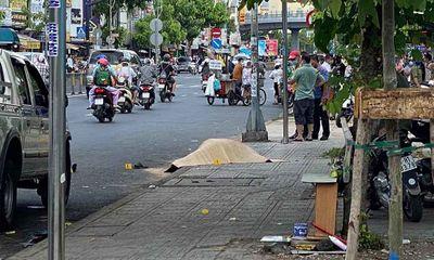 Vụ người đàn ông mặc áo GrabBike bị đâm tử vong trước cổng bệnh viện: Nhân chứng nói gì?