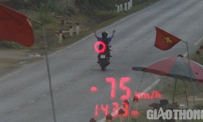Tin tức tai nạn giao thông ngày 24/5/2021: Thanh niên buông 2 tay lái xe máy 75km/h lĩnh cái