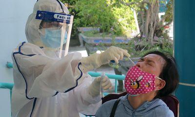 Tìm thấy người phụ nữ dương tính với SARS-CoV-2 trốn sau vườn nhà
