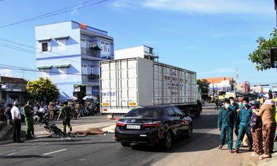 Tin tức tai nạn giao thông ngày 1/7/2021: Đôi vợ chồng chết thảm sau va chạm xe tải