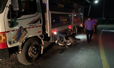 Tin tức tai nạn giao thông ngày 13/7: Xe máy ôm cua tông xe tải, 2 người tử vong
