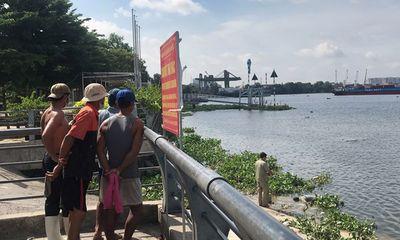 Kinh hãi phát hiện thi thể thanh niên tại bờ sông: Trên người nhiều hình xăm