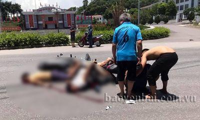 Xe máy đầu đầu kinh hoàng ở Yên Bái, 3 thanh niên thương vong