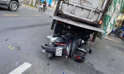 Tin tức tai nạn giao thông ngày 1/8/2021: Tông đuôi ô tô chở rác, người đàn ông tử vong