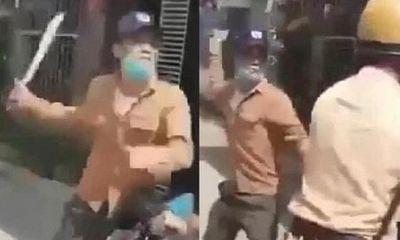 Hà Tĩnh: Truy bắt 2 thanh niên dùng dao kiếm đe dọa cảnh sát giao thông