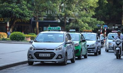 Tin trong nước - TP.HCM cho phép 400 taxi hoạt động trong thời gian giãn cách xã hội