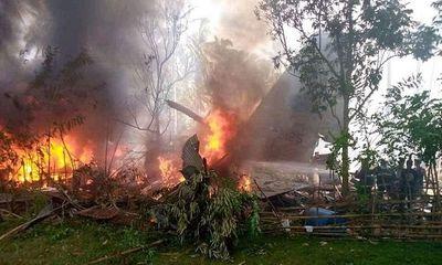 Philippines: Máy bay quân sự hạ cánh trượt khỏi đường băng, ít nhất 17 người chết