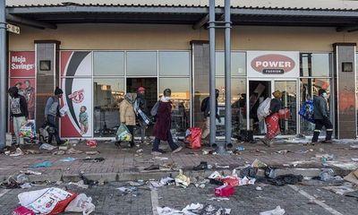 Bạo loạn vụ bắt giữ cựu Tổng thống Nam Phi: Ít nhất 72 người chết, nhiều, hơn 1.000 người bị bắt