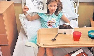 Mắc bệnh hiếm gặp, bé gái 7 tuổi có