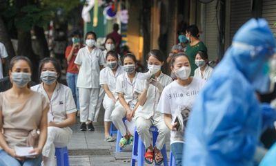 Bệnh viện Việt Đức phong tỏa 1 tòa nhà, lấy mẫu xét nghiệm hơn 1.000 người vì ca COVID-19 mới