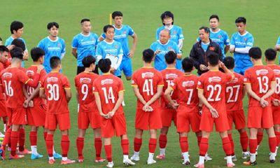 Danh sách chính thức đội tuyển Việt Nam đi UAE đấu Trung Quốc: Trọng Hoàng vắng mặt đáng tiếc